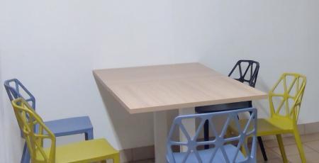 Cafétéria chaise table mange-debout tabouret calligaris